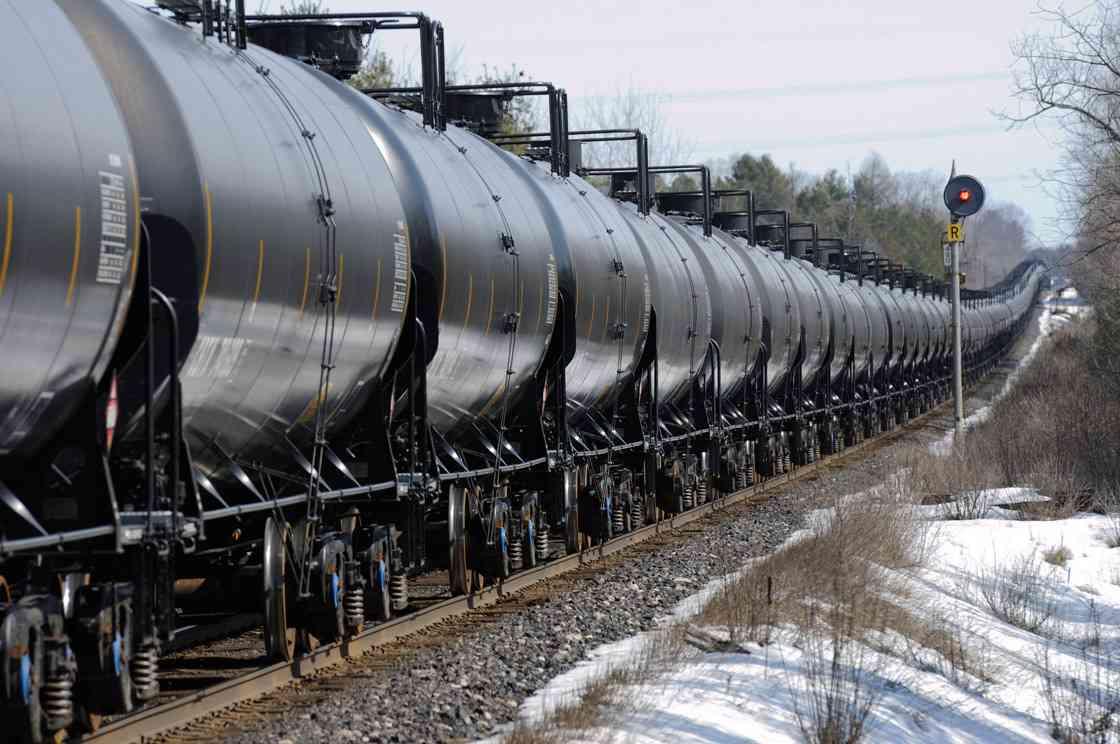 oil-train