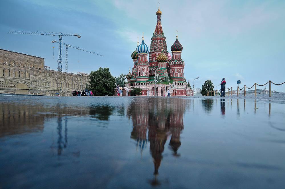 Москва плаває